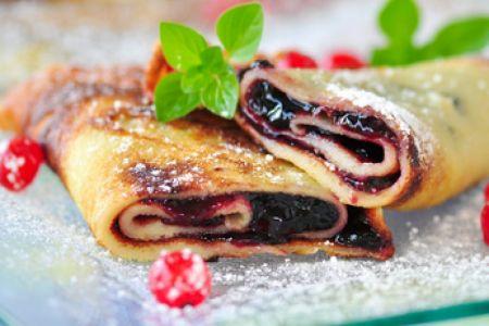 Palatschinken mit Marmelade