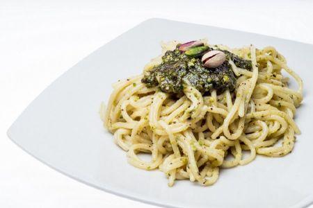 Spaghetti mit Pistazien-Pesto