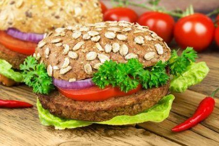 Veganer Burger mit Tofu