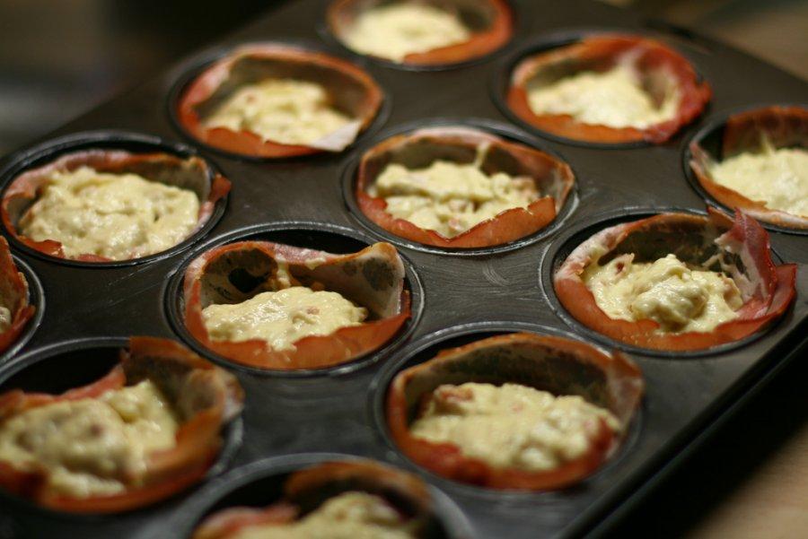 party muffins mit speck rezept. Black Bedroom Furniture Sets. Home Design Ideas