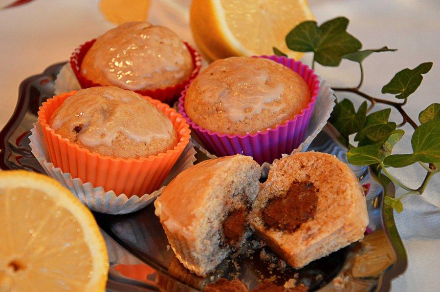 vollkorn zitronen muffins mit nougatherz rezept. Black Bedroom Furniture Sets. Home Design Ideas