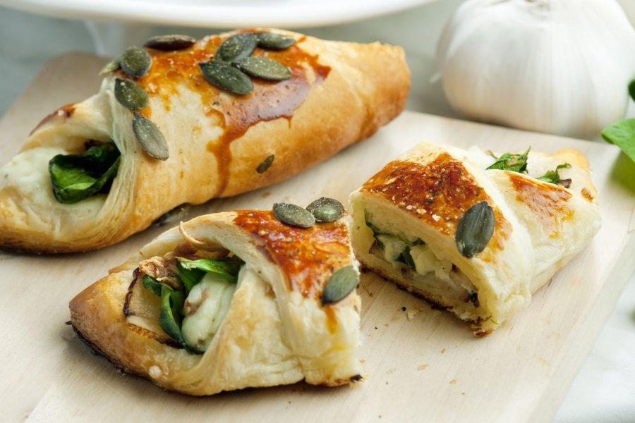 spinat-feta taschen - rezept | kochrezepte.at - Schnelle Küche Für Gäste