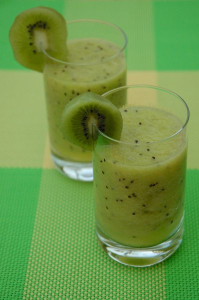 kiwi ingwer smoothie zum abnehmen rezept. Black Bedroom Furniture Sets. Home Design Ideas