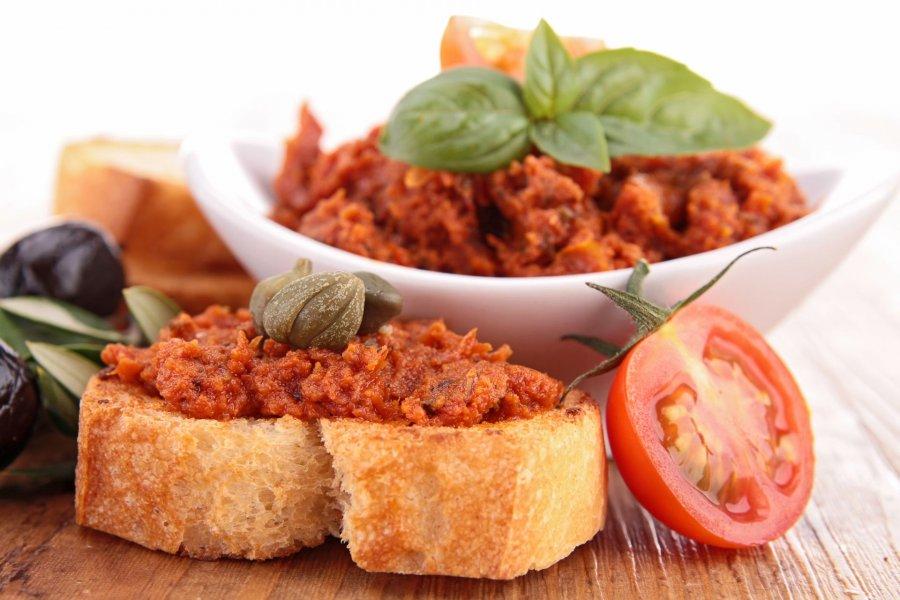 leckerer tomaten aufstrich f r veganer rezept. Black Bedroom Furniture Sets. Home Design Ideas
